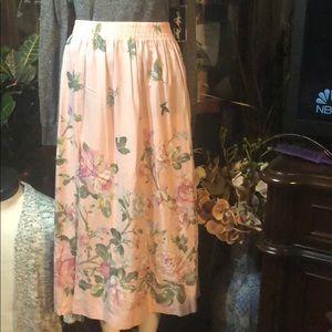 Styel Exchange Long Skirt